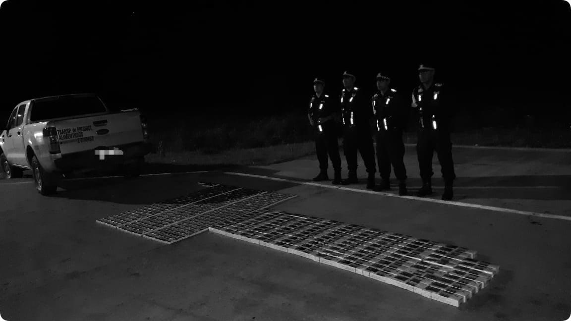 Puerto Eva Perón: interceptan a un conductor que transportaba cigarrillos ilegales