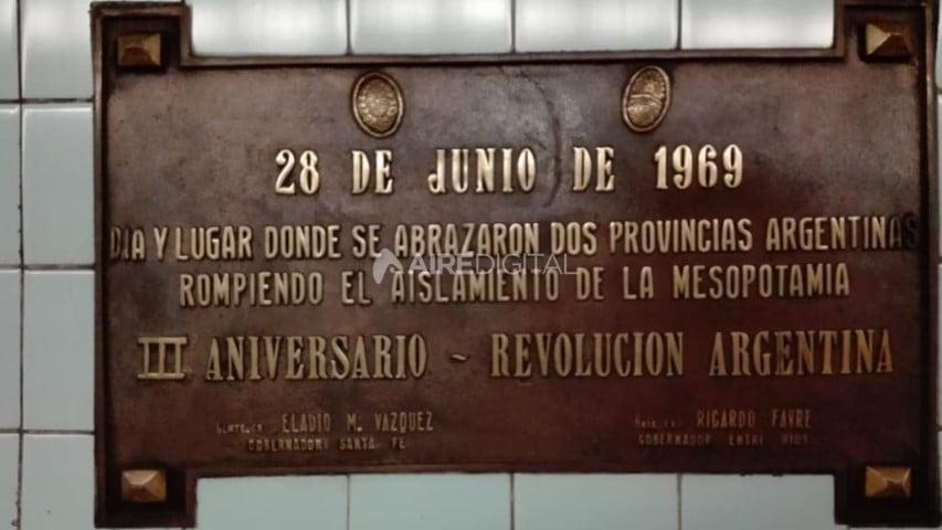 Retiraron del túnel subfluvial la placa que recordaba a la dictadura de Onganía