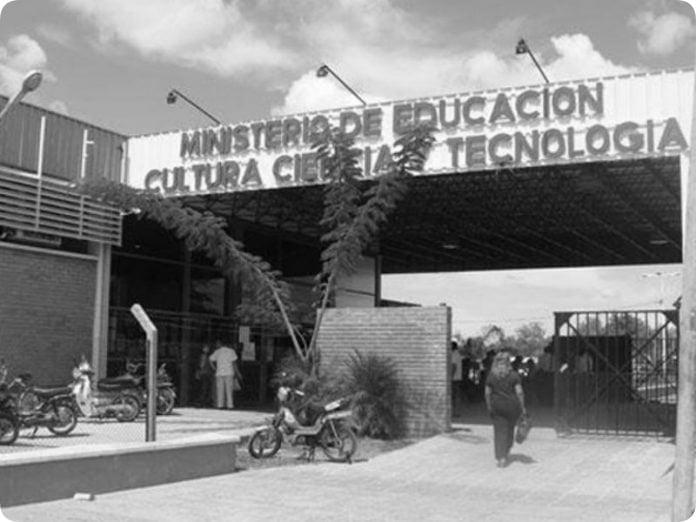 Arrecian las denuncias y cartas documento entre agentes y funcionarios de Educación