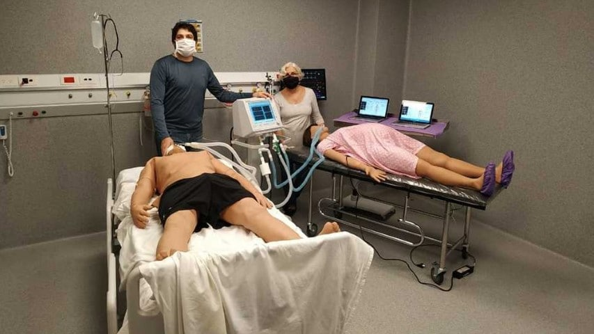 La Universidad de La Plata puso a prueba un dispositivo para que un respirador pueda ser usado por dos personas a la vez