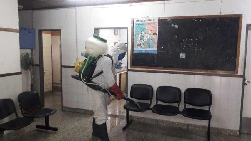Barranqueras desinfecta y fumiga centros de salud, el hospital y barrios a pedido de los vecinos
