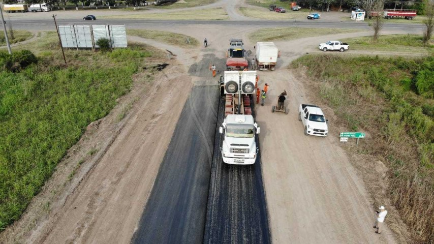 Vialidad Provincial reinició la obra de pavimentación en ruta provincial 7 que se encontraba paralizada desde mediados del 2019