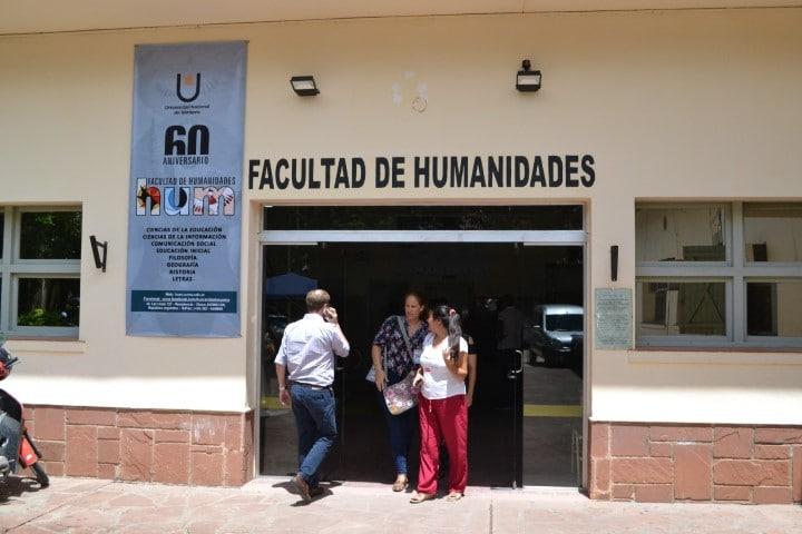 Profesionales de Historia y Comunicación de la UNNE analizan los medios de comunicación de Resistencia y Corrientes entre 1976 y 2016