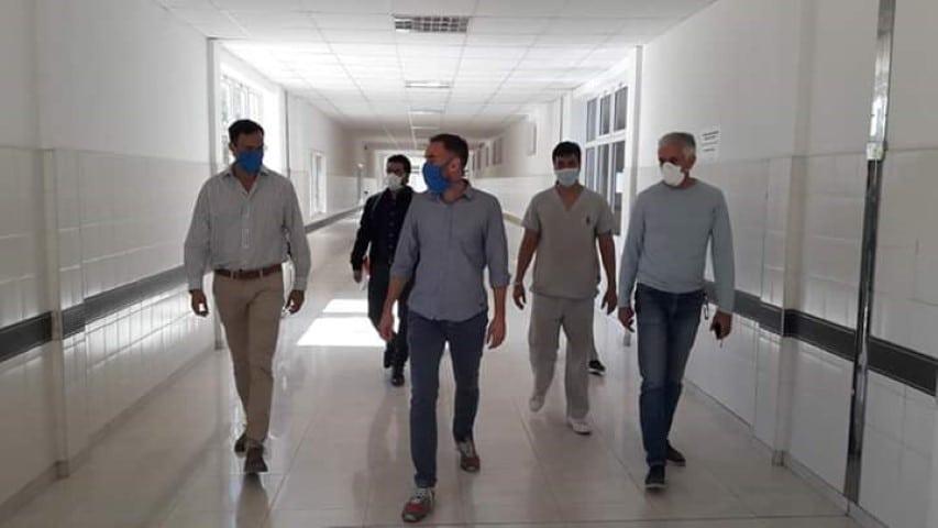 """Perrando: """"Logramos habilitar 52 camas de terapia intensiva y regular, 24 respiradores, monitores y camas eléctricas"""""""