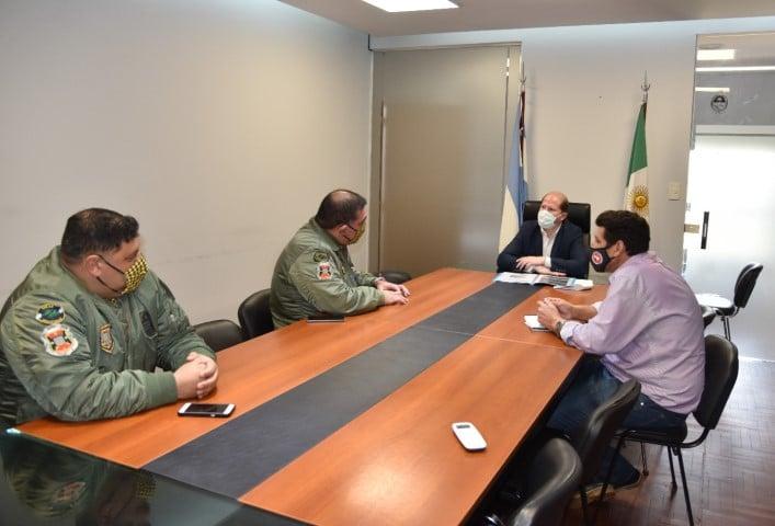 El Gobierno y la Fuerza Aérea buscan optimizar el hangar de helicópteros para mejorar el traslado de módulos sanitarios