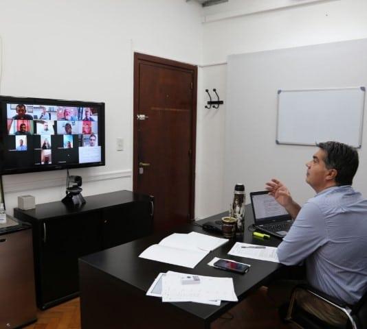 """Capitanich se reunió con representantes de unidades educativas de gestión privada y acordaron una """"regularización inteligente"""""""