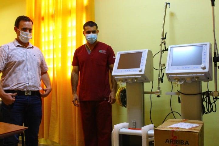 Salud entregó dos nuevos respiradores al Hospital de Castelli