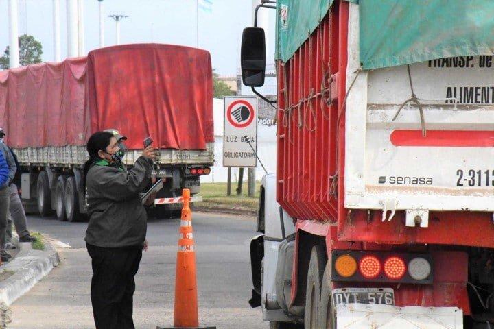 Corrientes modificó el operativo de ingreso para aliviar la carga en el puente interprovincial