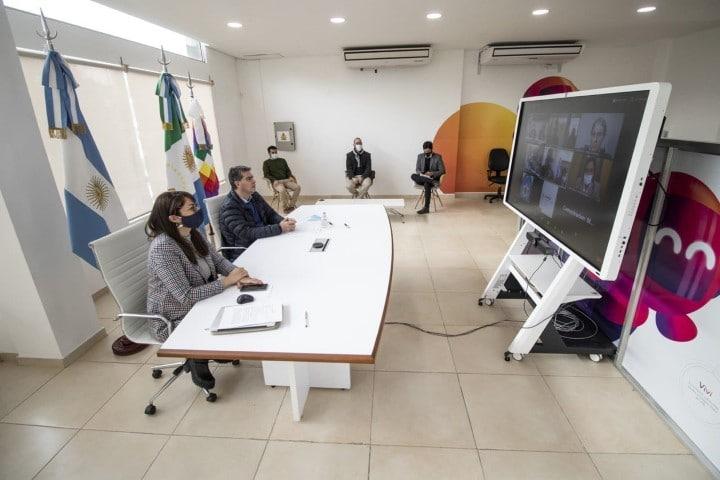 Gobernadores del NEA y del NOA buscan una alianza para la integración y explotación de una red de fibra óptica de más de 15 mil kilómetros