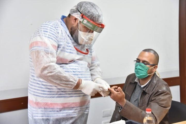 COVID-19: Salud testeó a trabajadores públicos y privados