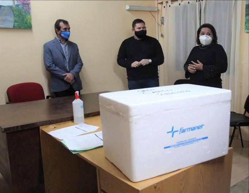 Secretaría de Municipios y PAMI entregaron 8200 vacunas en 24 localidades del interior provincial