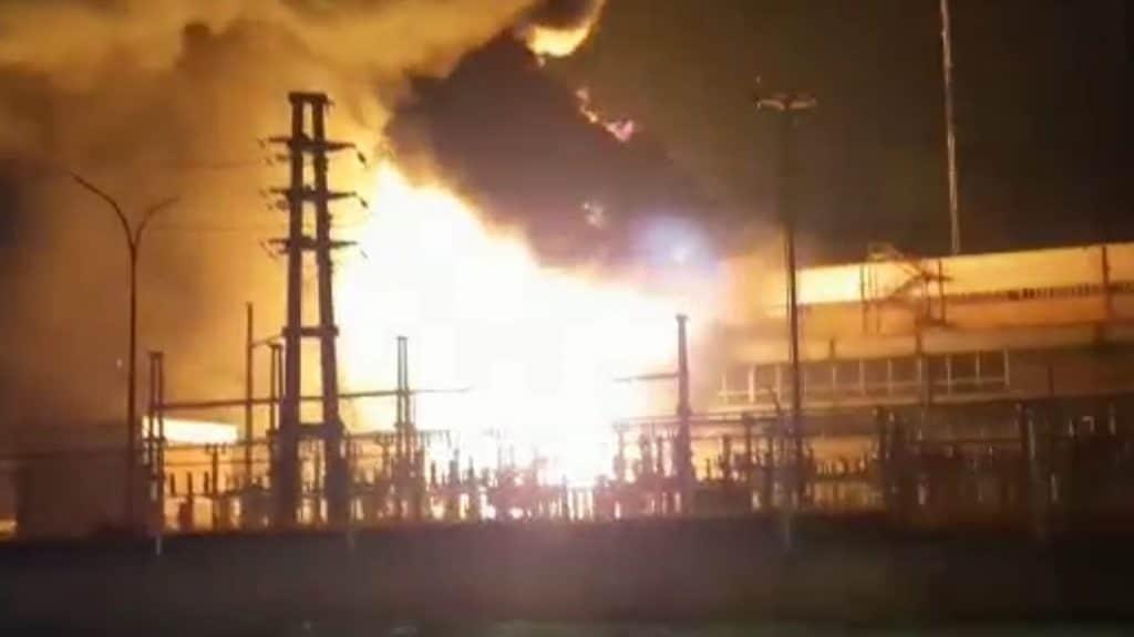 La explosión de un transformador en Barranqueras afectó a gran parte de la capital chaqueña y alrededores, y paralizó la estación de bombeo de Sameep