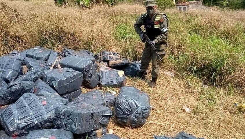 Hallan cerca de tres toneladas de marihuana ocultas en un monte misionero