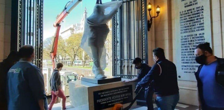 La estatua de Néstor ya está en el CCK, y habrá una caravana por los 10 años de su muerte