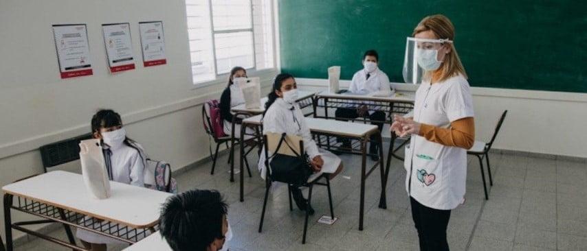 Zonas rurales sin casos y otras localidades de bajo riesgo podrán volver a clases la semana que viene