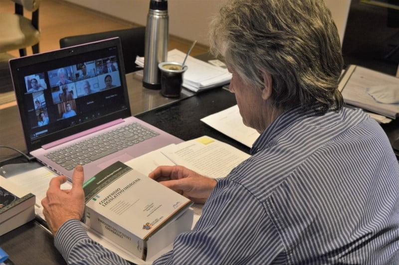 Sager participó del conversatorio sobre el Compendio Legislativo Indígena