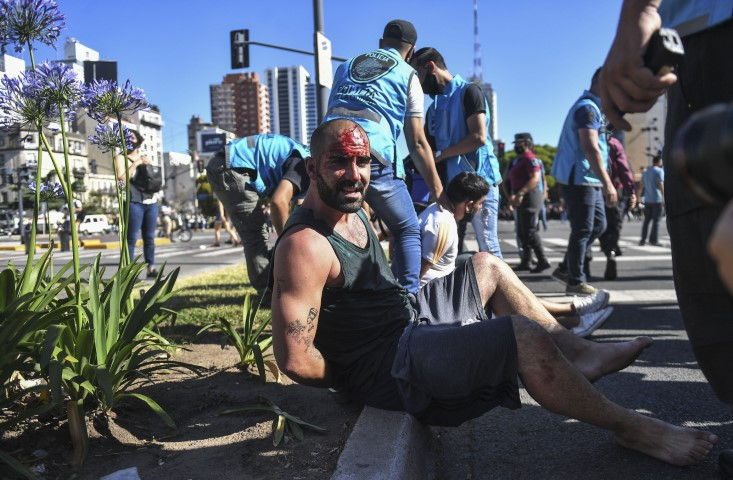 Reprimieron a manifestantes y el Gobierno exigió que un freno al accionar de la policía de la Ciudad