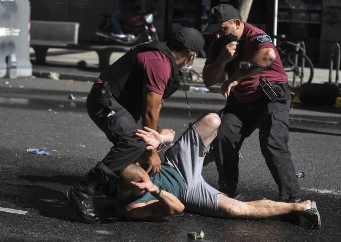 El pueblo colmó las calles para despedir a Maradona en una jornada emotiva empañada por la represión de Rodríguez Larreta