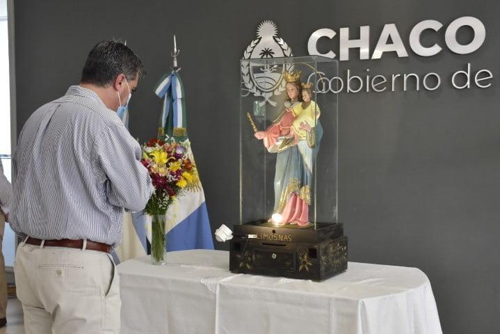 Capitanich recibió la imagen de la Virgen María Auxiliadora en Casa de Gobierno