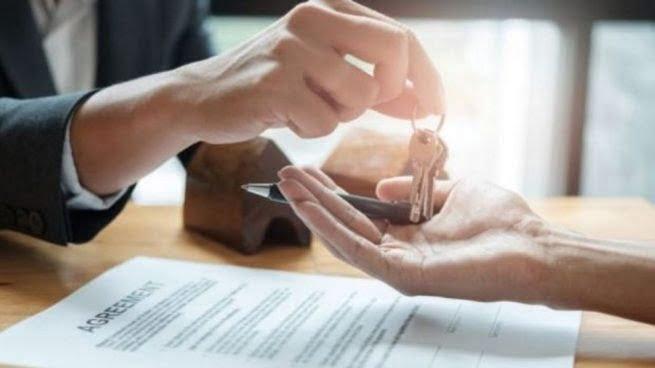 Buscan prohibir contratos de alquiler fijados en dólares