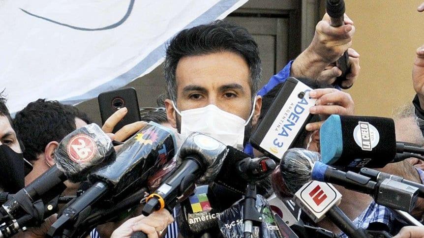 """""""Maradona tiene un cuadro de abstinencia y quedará unos cuantos días internado"""", anunció su médico"""