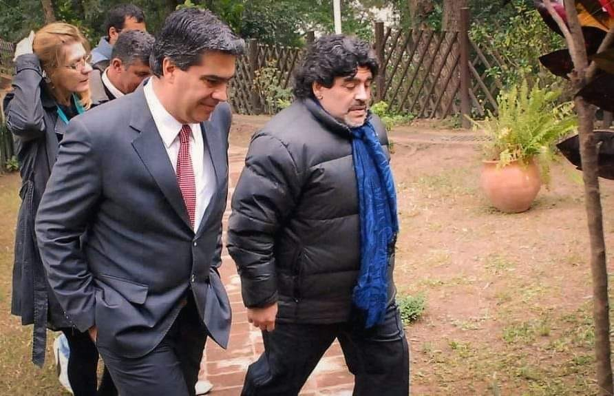 "Capitanich lamentó la muerte del Diez: ""Su huella será imborrable"""