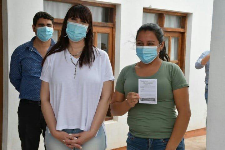 Covid-19: más de 900 personas con factores de riesgo ya se registraron para recibir la vacuna