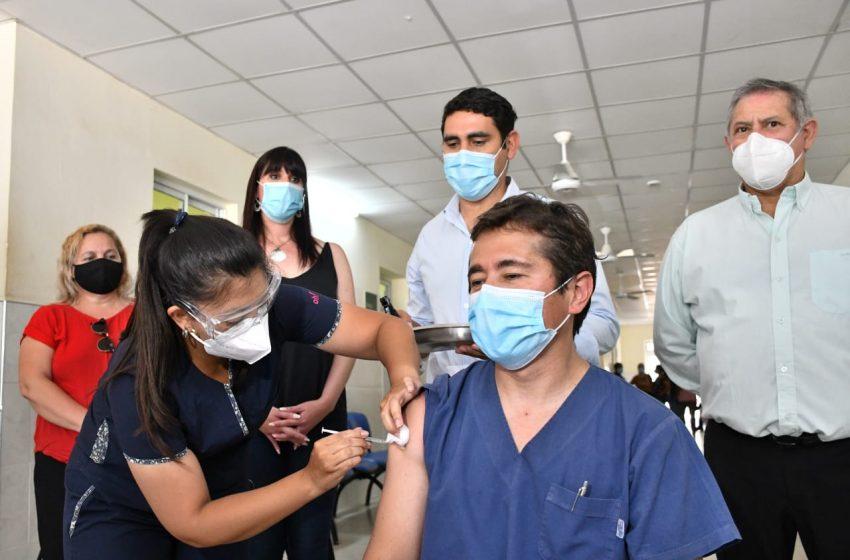 La campaña de vacunación provincial contra el Covid-19 llegó a Villa Ángela y Charata