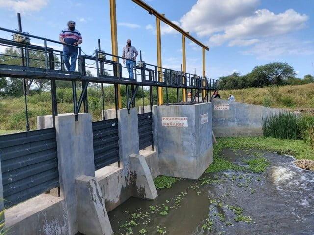 La Apa comprobó el funcionamiento del sistema de ingreso de agua del Bermejito al Guaycurú
