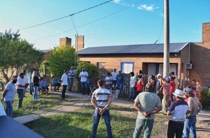 Funcionarios del Ministerio de Seguridad se reunieron con vecinos de los barrios 134 y 100 Viviendas de Sáenz Peña