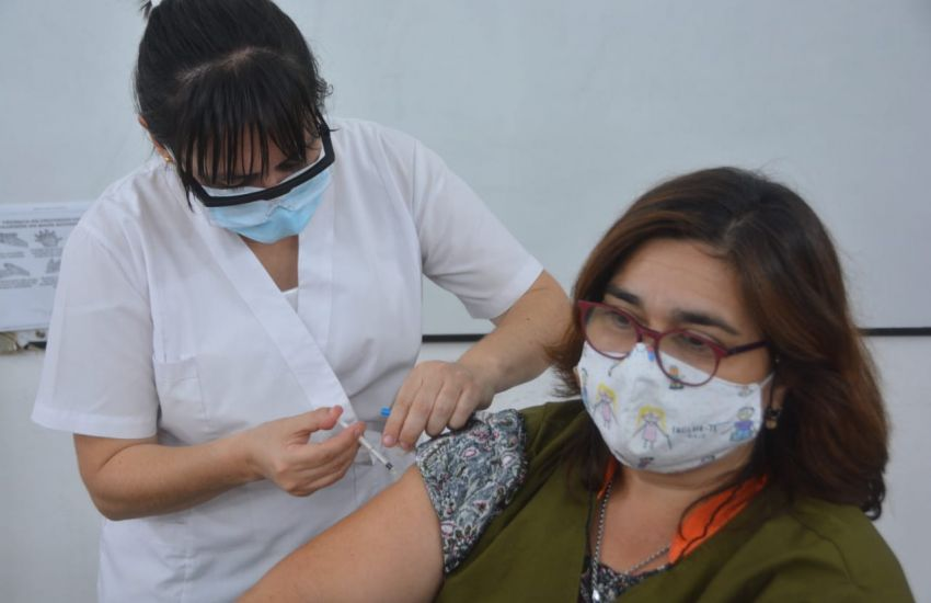 Este lunes continúa la vacunación contra Covid-19 para docentes