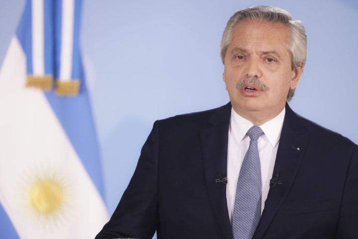 "Fernández pidió ""no dejar de cuidarse"" y anunció la prórroga del DNU a la espera de la ley"