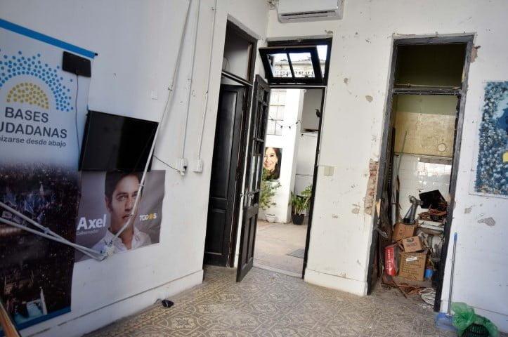 Pericias determinan que artefacto explosivo casero fue el que detonó en local de La Cámpora
