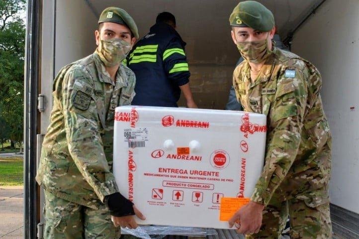 Chaco recibió 13.200 nuevas dosis y comenzó la vacunación para ex combatientes, periodistas, transportistas y personal funerario