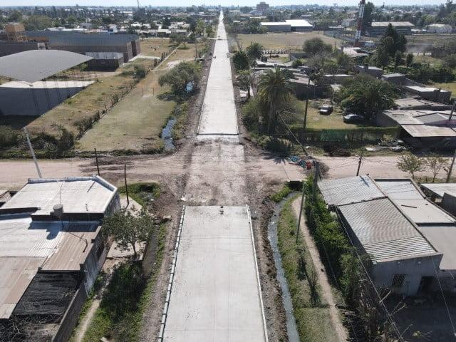 El gobierno pavimenta 16 cuadras en Villa Ángela