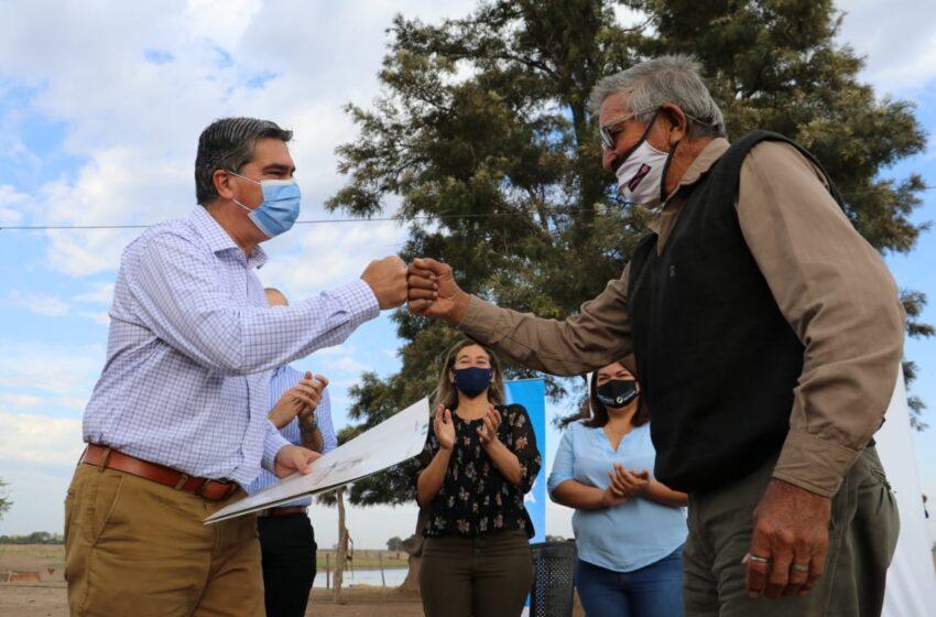 Acceso a la tierra: el gobierno entregó títulos de propiedad rural a 31 productores de General San Martín y Colonias Unidas
