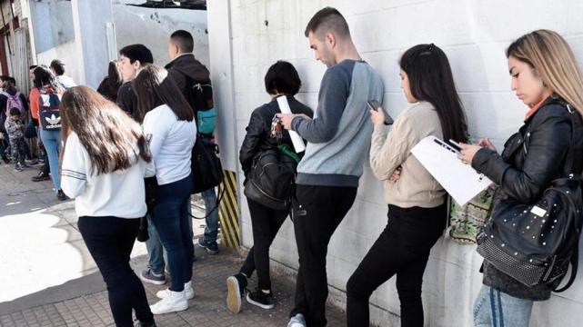 Nación lanza un programa de inserción laboral de jóvenes en pymes