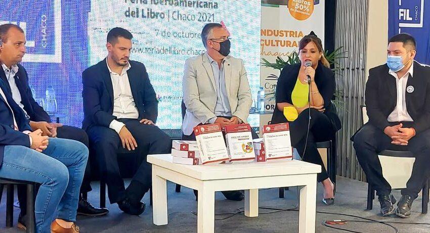 La diputada Ayala en simulacro de litigación de juicio por jurados en la Feria del Libro