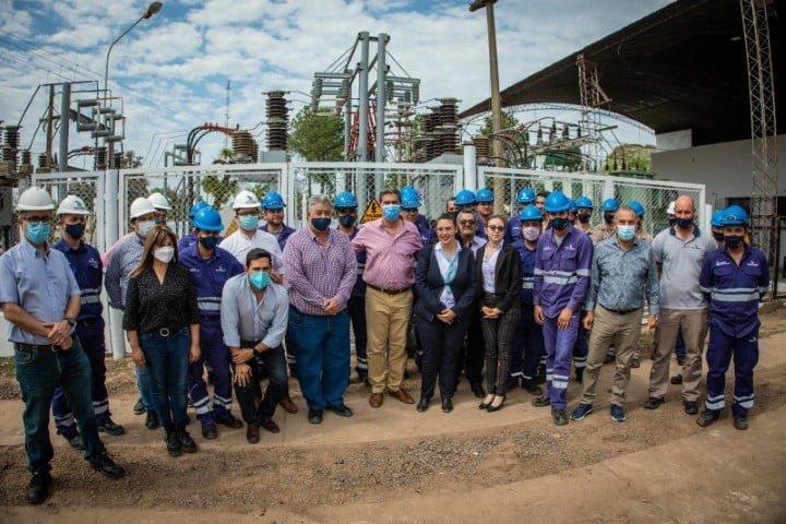 Con obras de Secheep, el gobierno mejora la red eléctrica en La Leonesa y zonas aledañas
